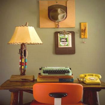 19 Retro Decorating Ideas That Will Make Your Home Feel Like the Dorm You Always Wanted -