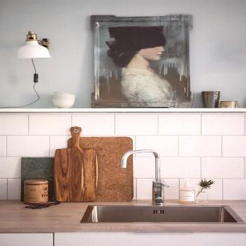Art in the kitchen is always a good idea | Köksdesign, Kök retro, Köksstil#art