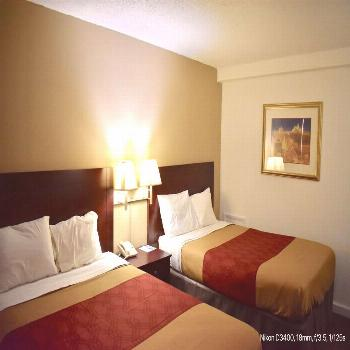 In addition to being close to restaurants, our discount hotel in Terre Haute is also located just a