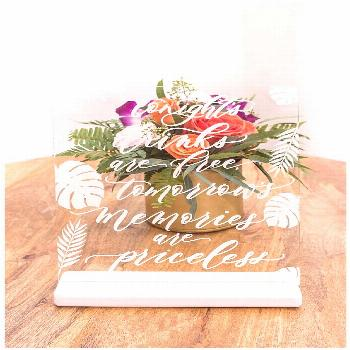 Mid-Century Modern Wedding Inspiration With Tropical Retro Vibes - Love Inc. Mag -  Mid-Century Mod