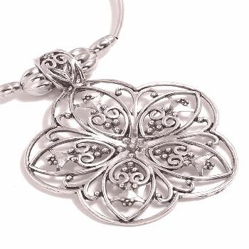 Retro Hollow Out Flower Necklace  SILVER ,