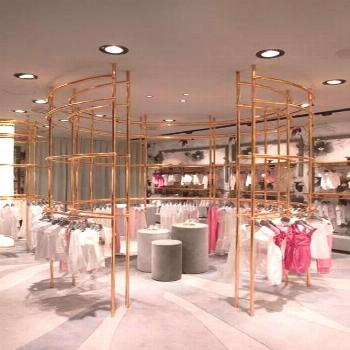 Super Clothes Store Layout Boutiques 39 Ideas This space is very well thought out as a retail area.
