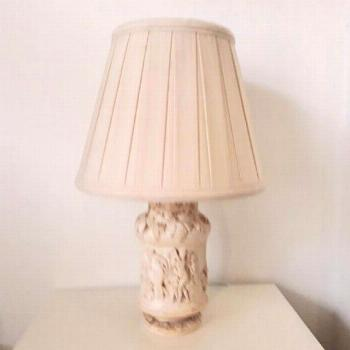 Vintage retro cream plaster table lamp with moulded classical Bachanal design#bachanal