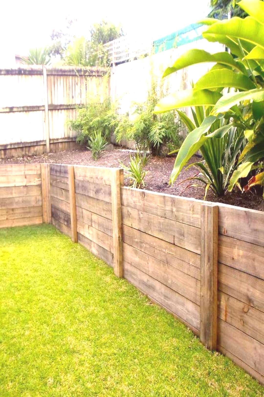 46 Backyard Landscaping Along Fence Plants Retaining Walls