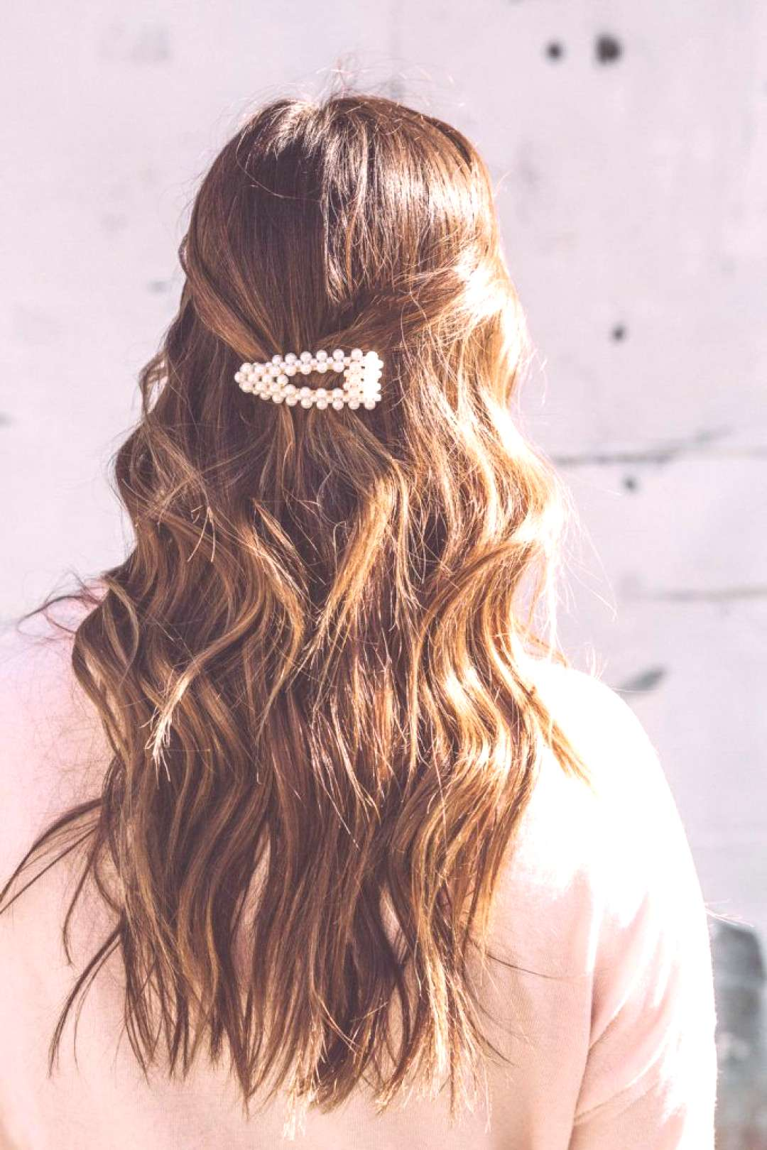 6 Ways to Wear Retro Hair Clips - To Vogue or Bust  pearl hair clip The Effective Pictures We Offer