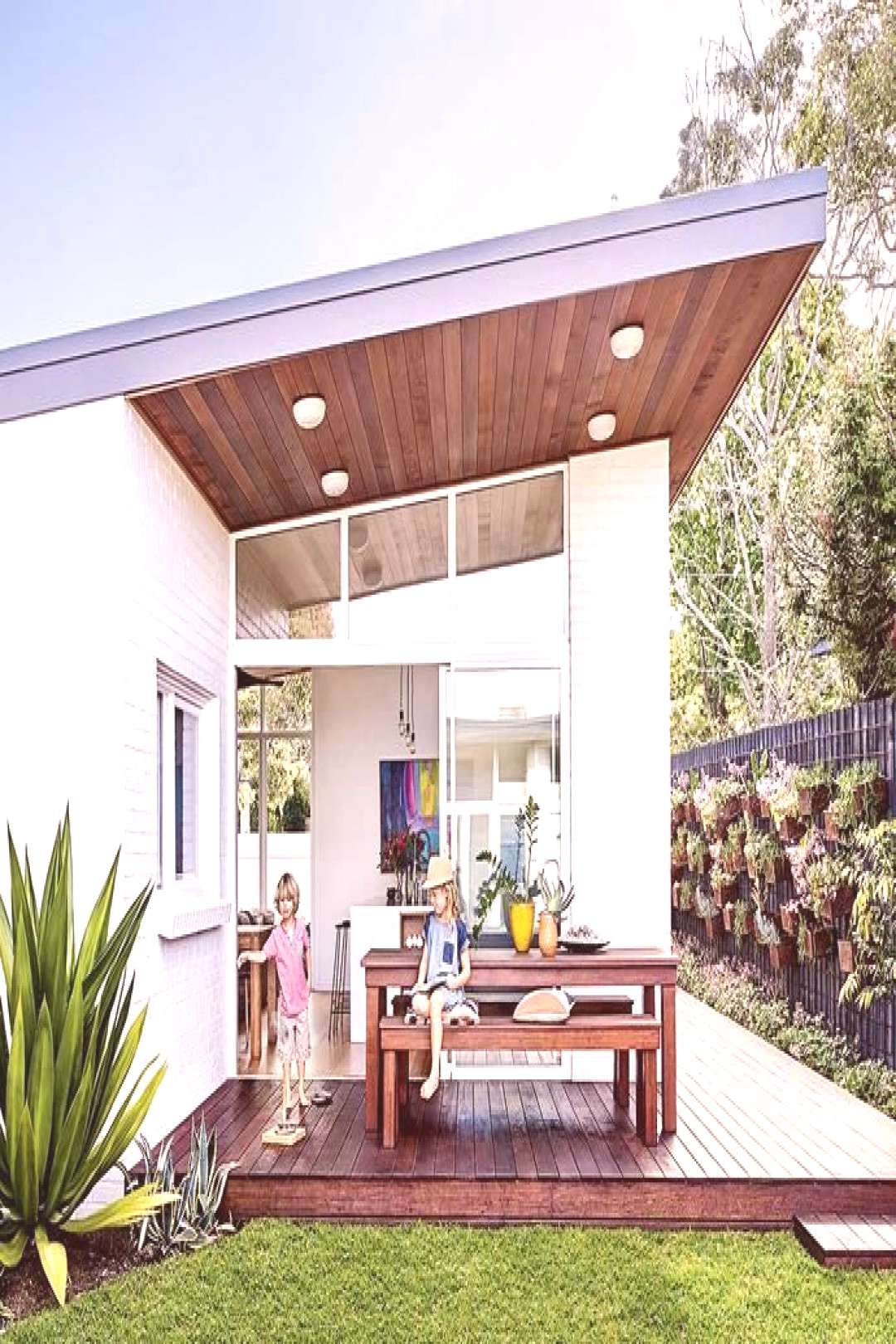 A mid-century weatherboard house was given a retro revamp -  An untouched original with room to gro