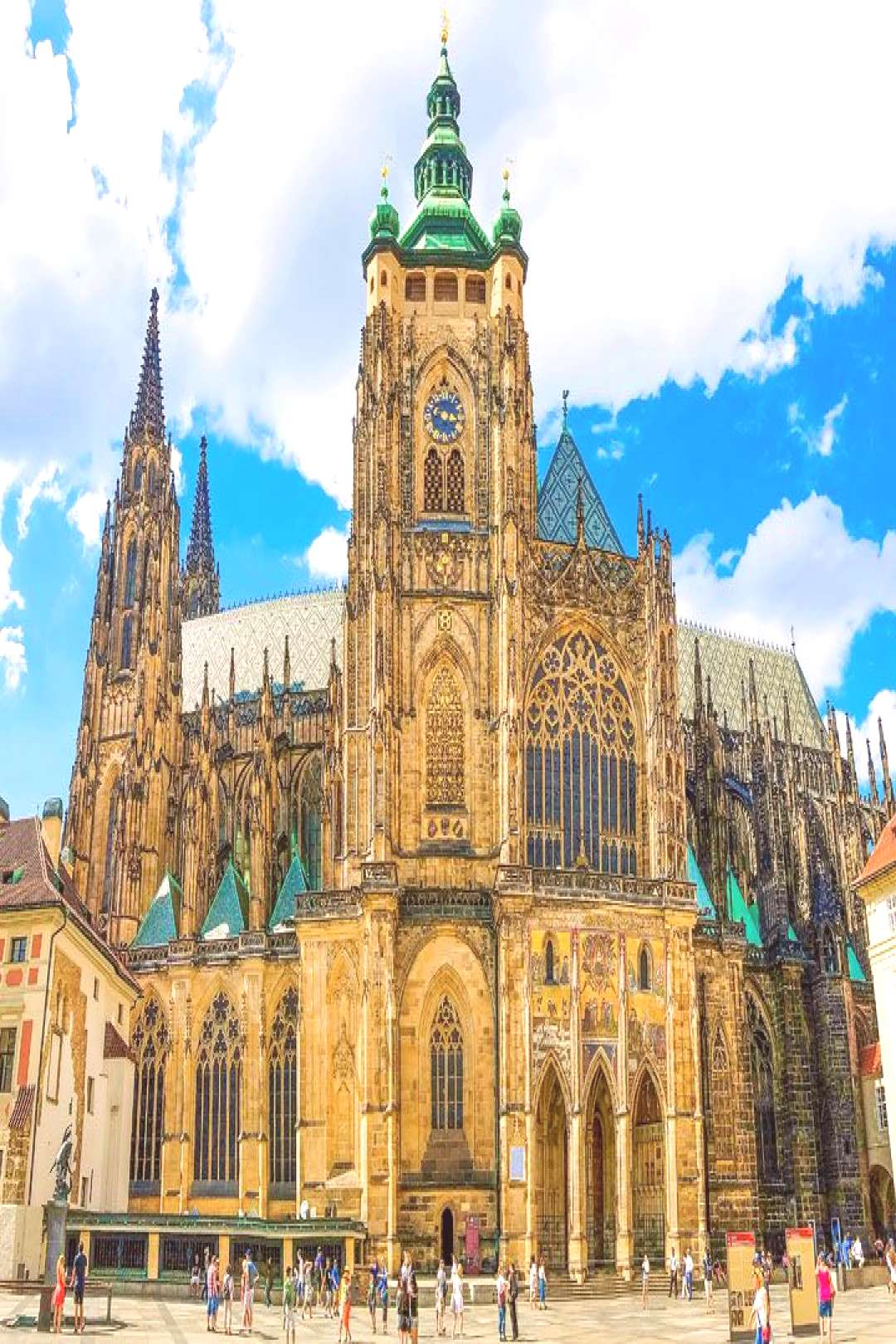 Going to Prague? Use this guide to make sure you dont miss any of the BEST things to do in Prague
