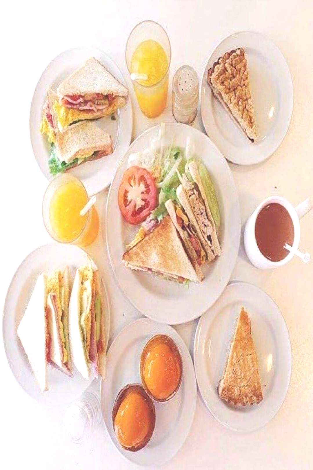 Nice and beautiful - Pin - The best 24-hour restaurants in Singapore to ... -  Beautiful and beauti