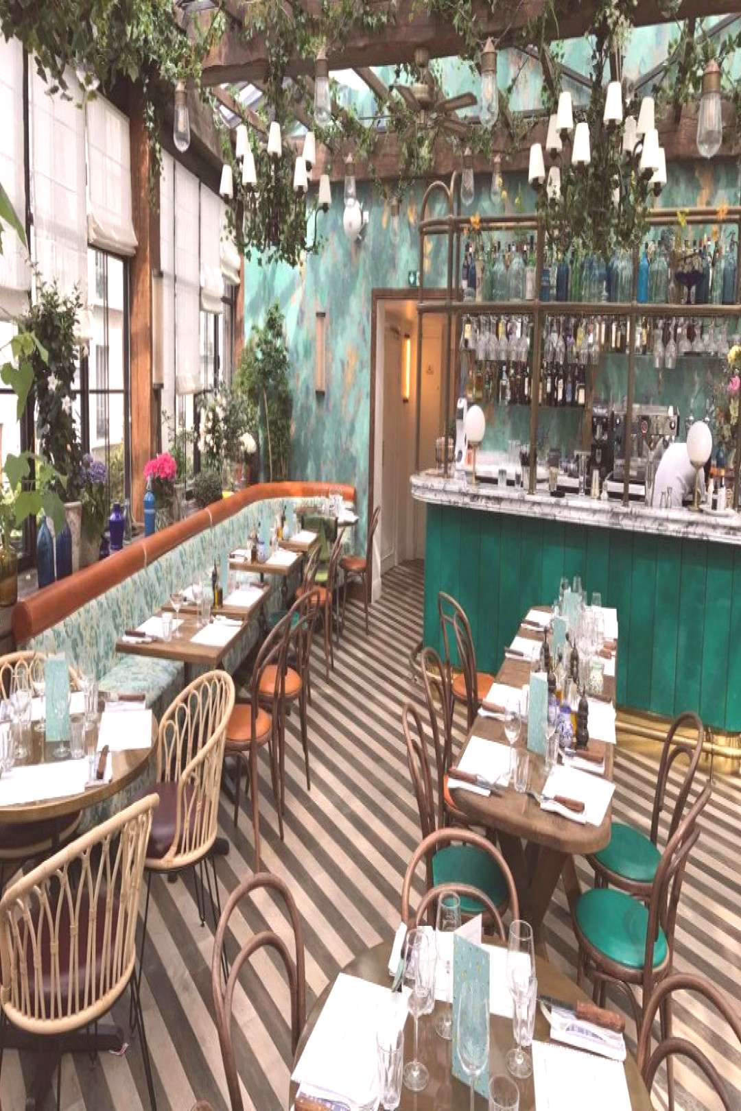 These Are The Best Restaurants in Paris According to Vogue -